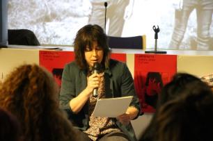 Isabel Logroño durante el recitado del primer bloque de poemas.